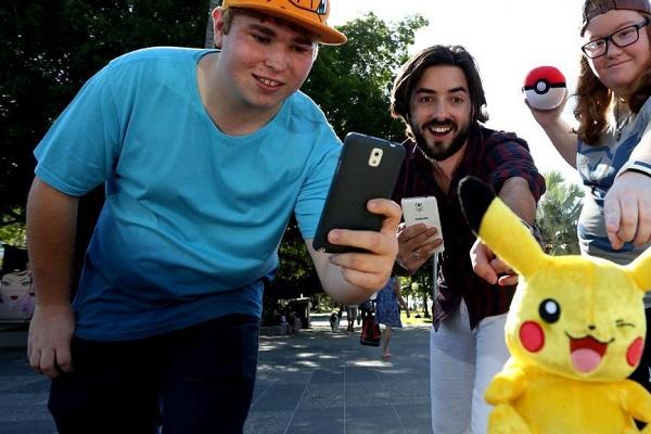 Люди сходят с ума от Pokemon GO