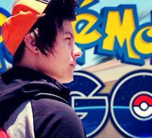 Популярный блогер EeOneGuy тоже ловит покемонов!